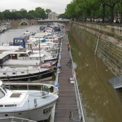 La crue de Paris au port de l'Arsenal